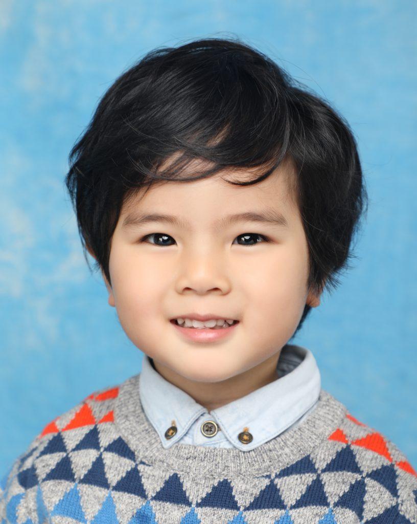 韓式證件相獨創的燈光效果有效將小朋友未完全發育的五官顯得輪廓分明。